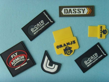 custom pvc garment rubber badges