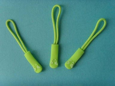 custom green little wings rubber zipper puller with string